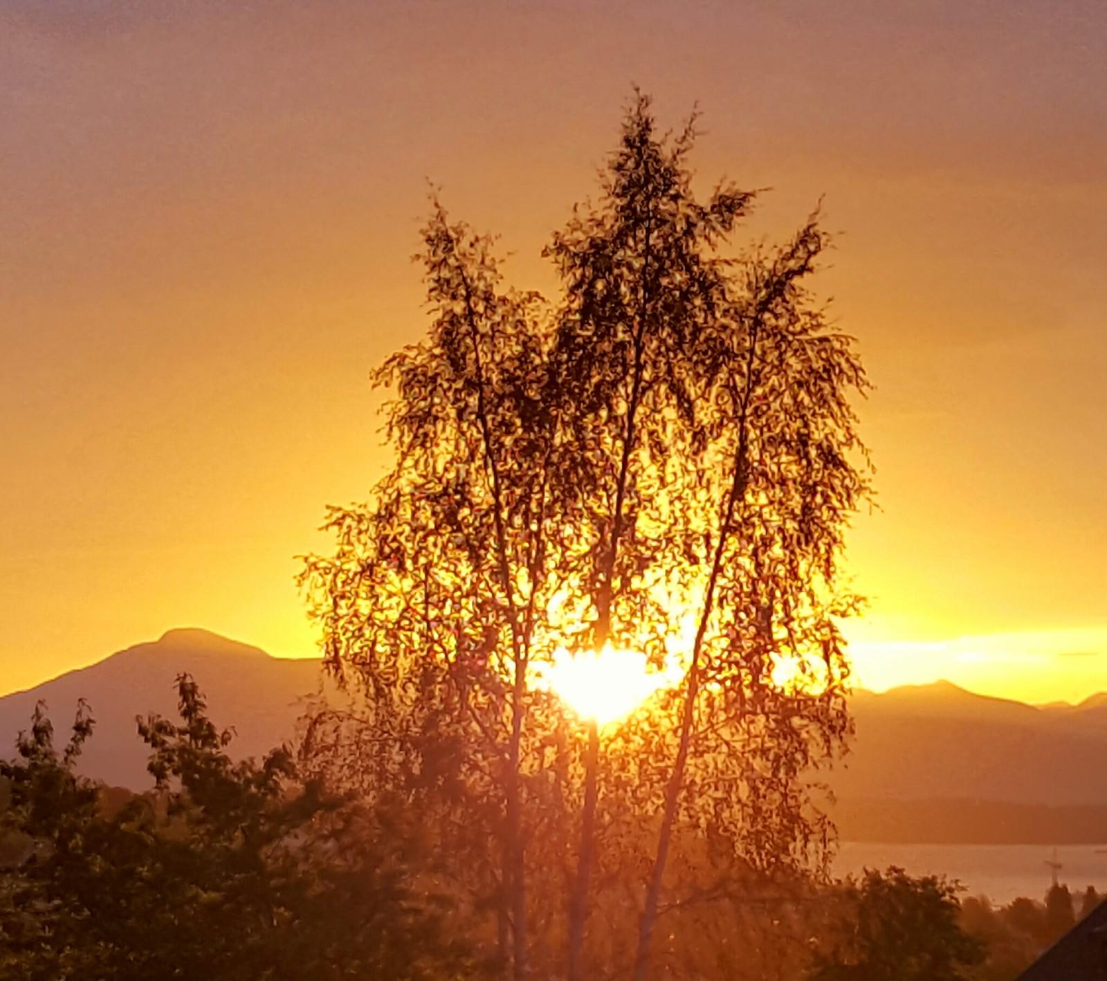 Soloppgang over Skåla, Molde.
