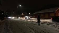 Slik så det ut ved Vennesla stasjon i morgentimene onsdag. Snøen har lagt seg et stykke inn i landet.