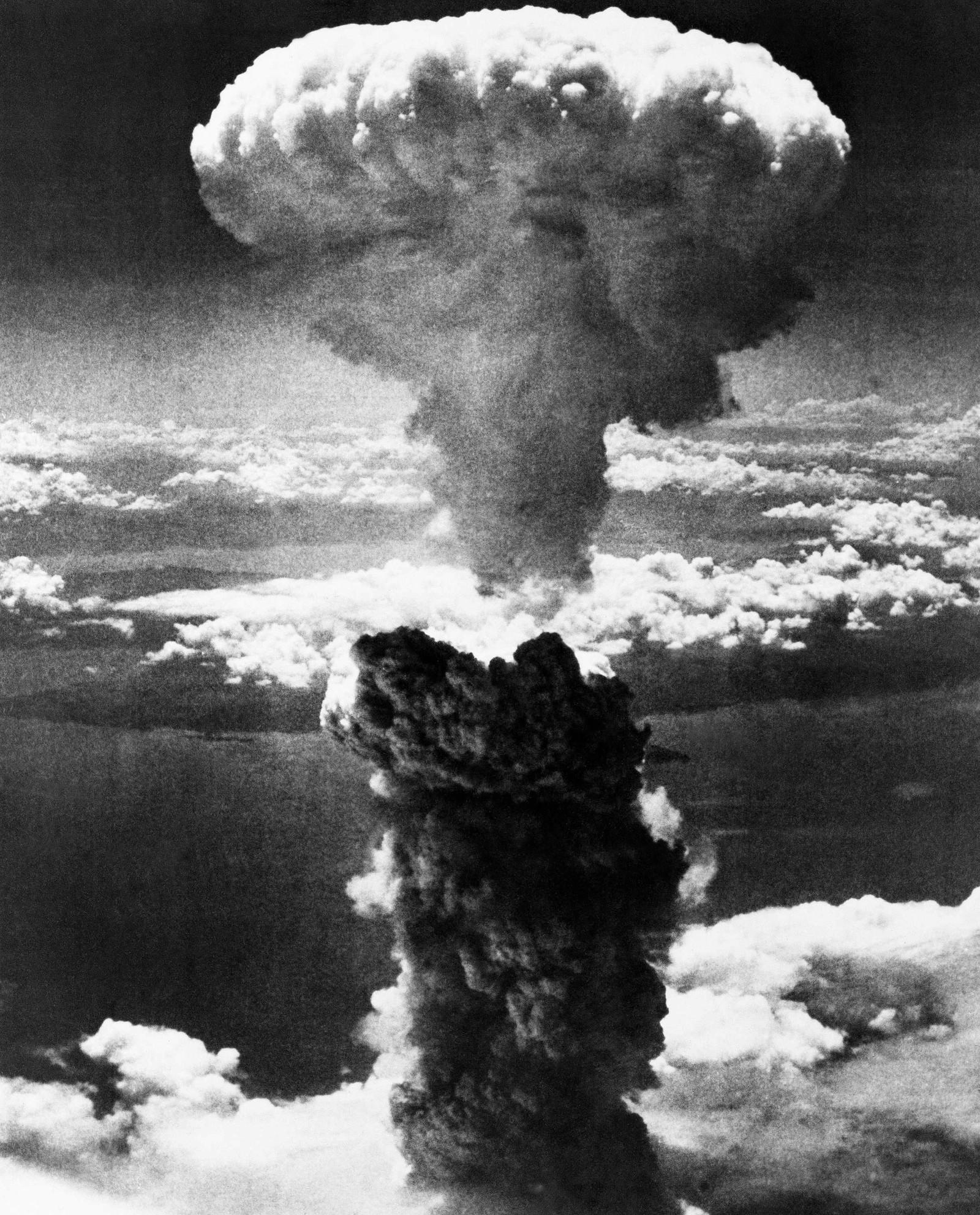 ATOMSOPPEN: 9. august 1945 bombet amerikanerne den japanske byen Nagasaki med atombomben. Det markerer slutten på stillehavskrigen.