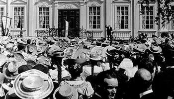 Barnetoget foran Stiftsgården, 24. juni 1906