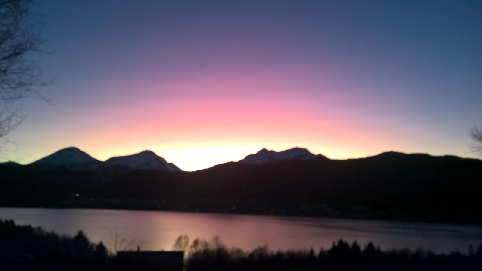 Olha Lyakhovyn har tatt bilde av solnedgangen på Krokset, Vikebukt.
