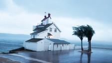 Ved Filtvedt Fyr på Hurumlandet blåste det kraftig fredag kveld, men lørdag morgen er situasjonen rolig.