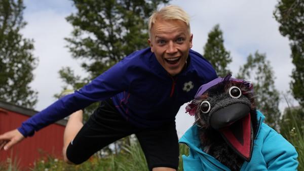 Norsk serie. En naturprogramserie for barn der Kråka og barn ferdes ute i naturen.