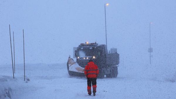 Slik så det ut på E134 Haukelifjell i mars i fjor. I helgen er det meldt liten storm ved fjellovergangen.