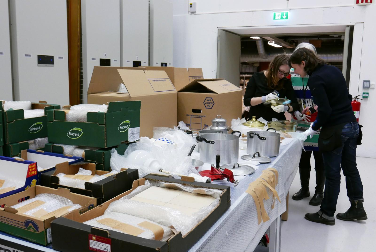 I tillegg til selve kjøkkeninnredningen har museet også fått med blant annet gulvfliser og veggfliser fra rommet der kjøkkenet opprinnelig sto.