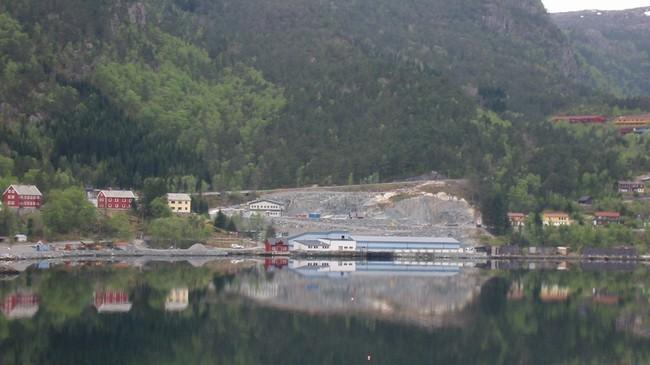 Norsk Marin Yngel i Svelgen. Foto: Arild Nybø, NRK.