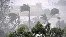 Uværet har nådd kysten av Australia, som her i Airlie Beach, sør for Townsville.