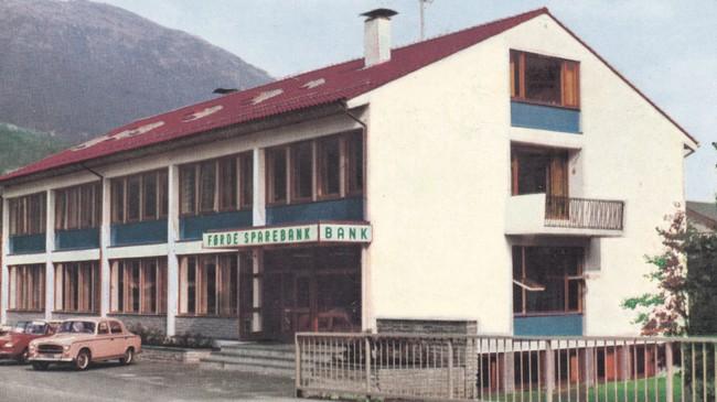 Førde Sparebank i 1967. Foto: Reiakvam.