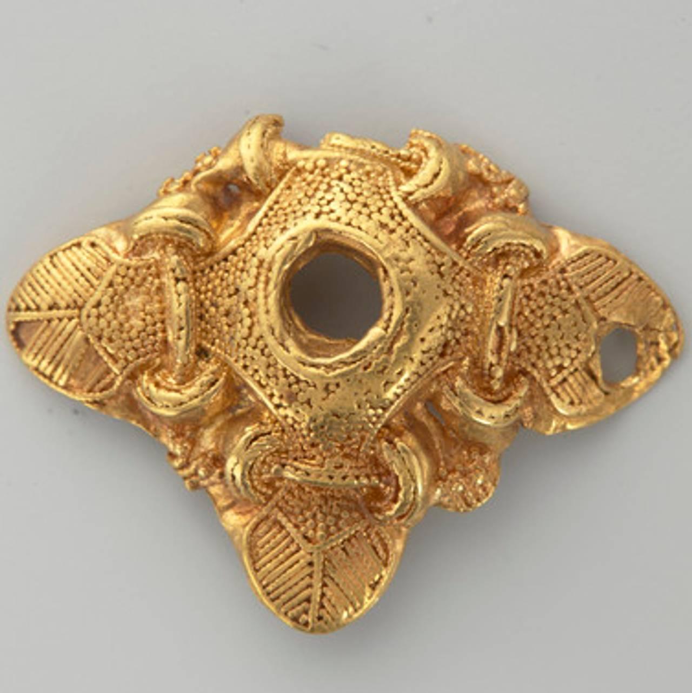 Smykke i gull fra Hoen-skatten