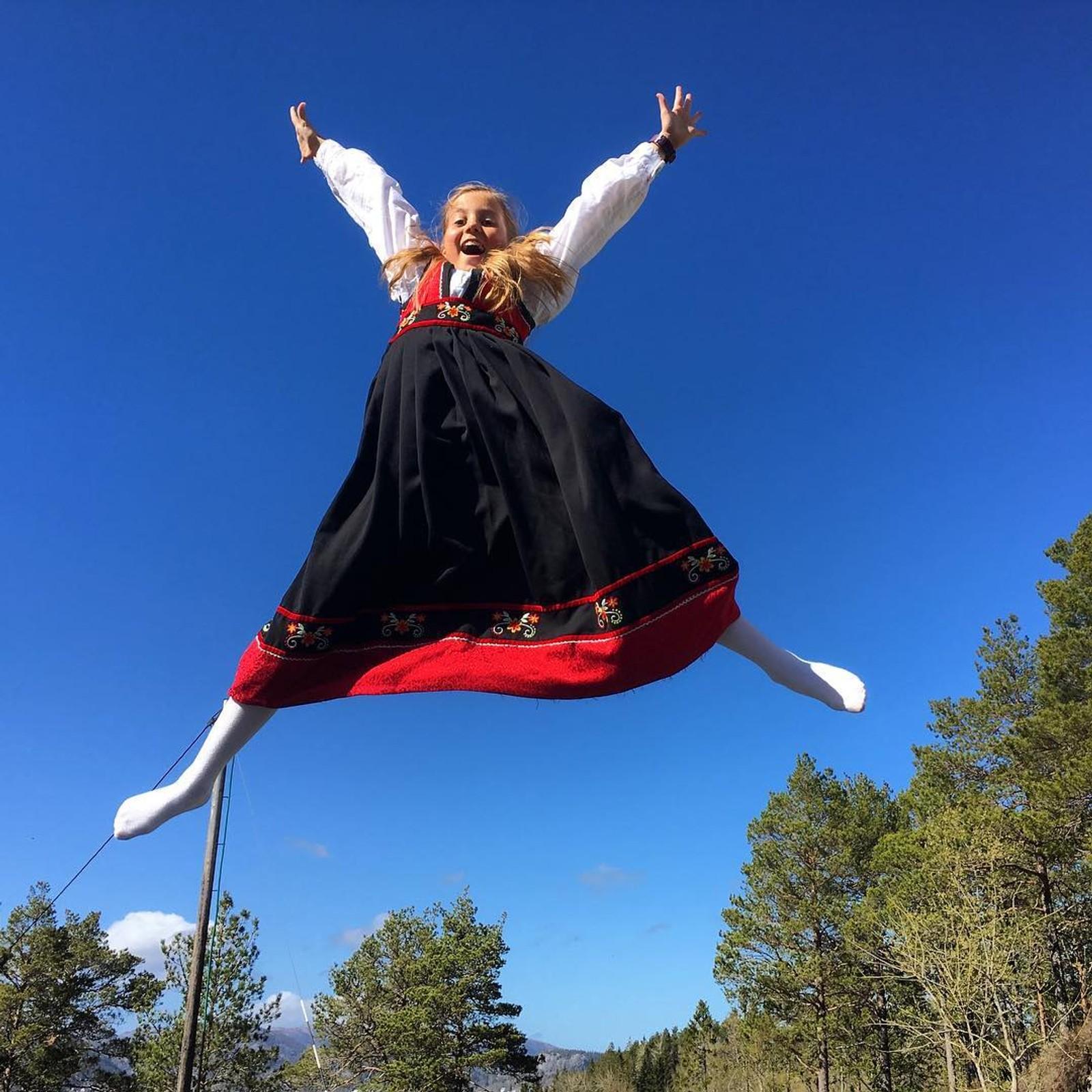 Hoppende glad på 17. mai! Tatt av Ida Jonette Bergslid i Namsos.