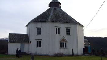 Vinje kirke, Hemne