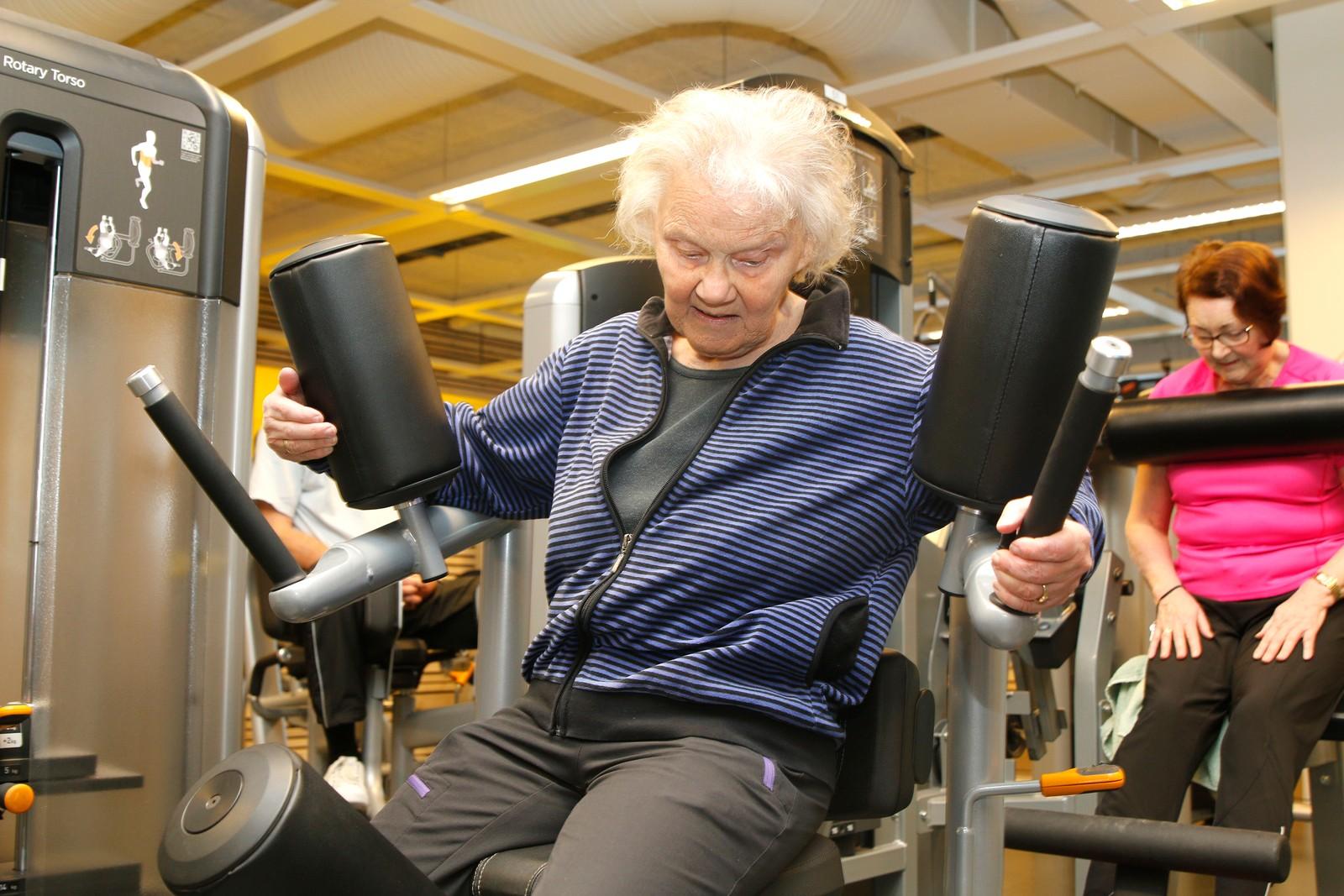 STERKE MUSKLAR: Her får magemusklane ei god økt.
