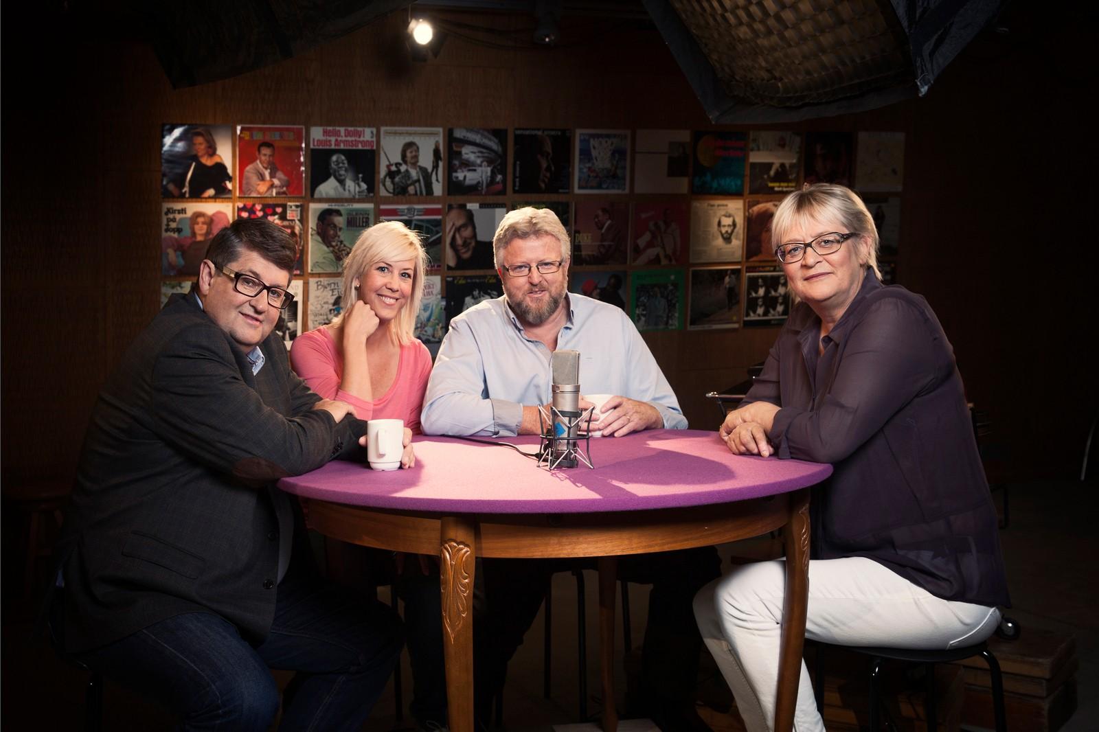 Viggo Valle, Hanne Hoftun, Hans-Petter Jacobsen og Kari Sørbø, programledere i P1+