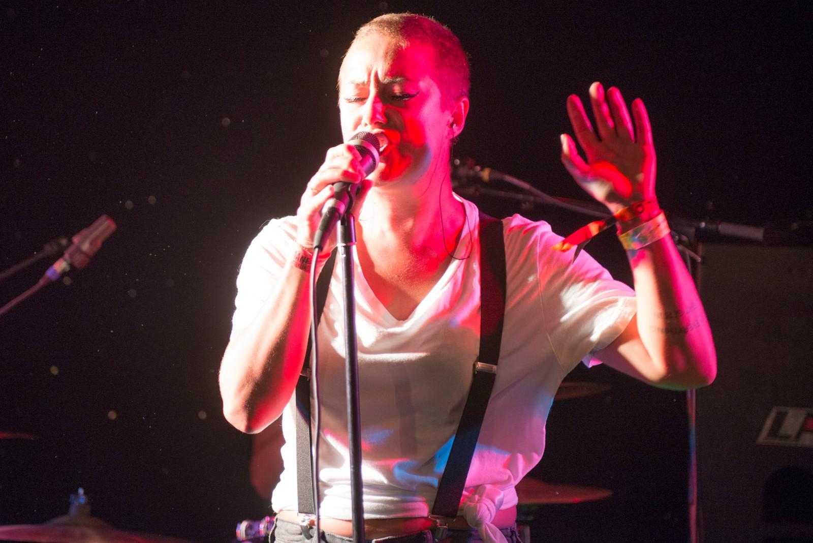 Dyveke Kuløy fra Moss spilte på Gamlebyen Kulturhus, som en del av Festival Ø-programmet på Månen.