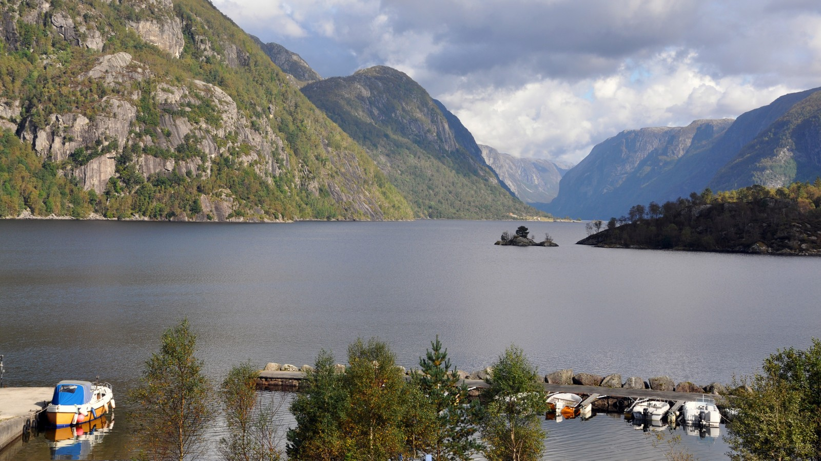 Tysdalsvatnet i Hjelmeland.