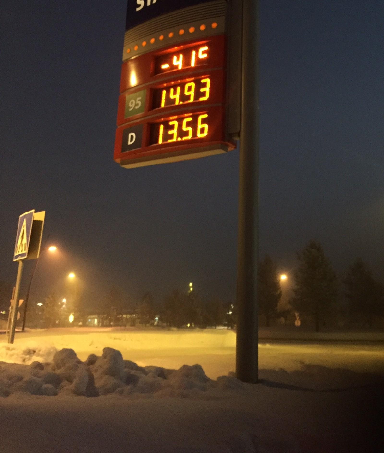 -41 grader viste termometeren midt i bygda i Karasjok på morgenen 7. januar 2016.