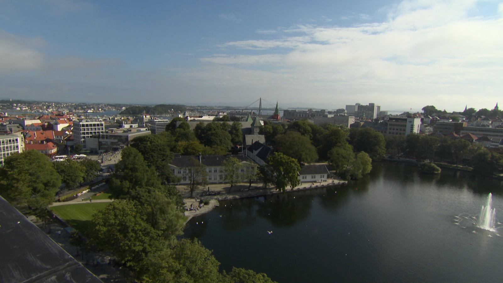 Utsikten fra treningssenteret og badstuen.