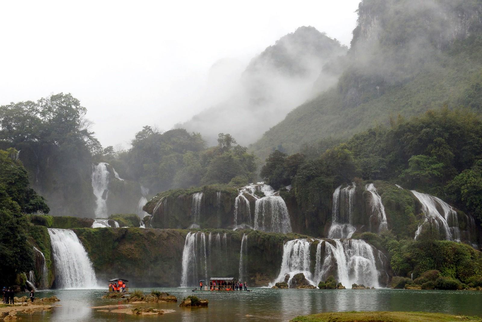 Dette er Thác Bản Giốc nord i Vietnam på grensen til Kina.