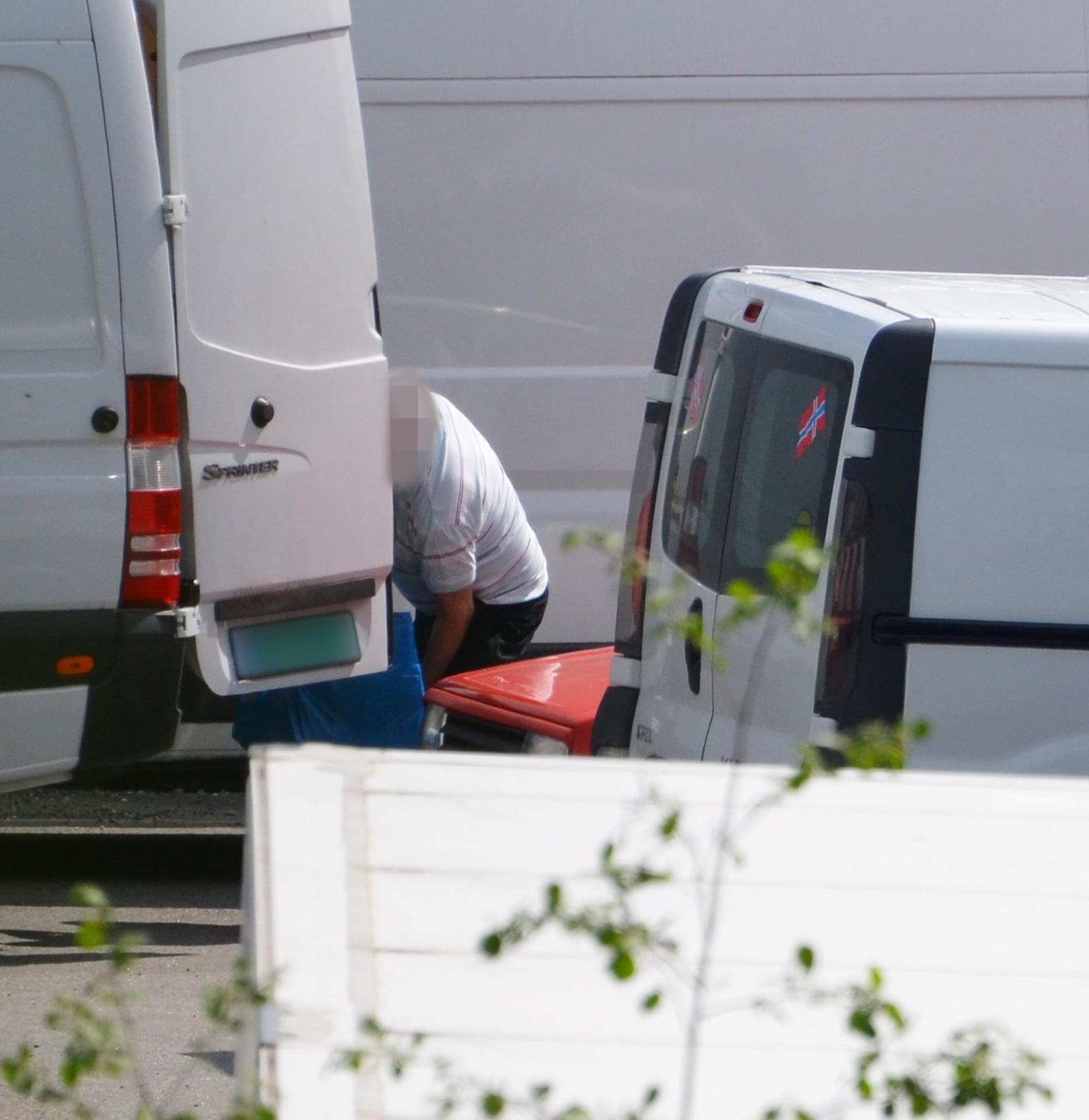 Hasjen ble kjørt fra containeren ved Lillestrøm i varebiler til andre overleveringssteder.