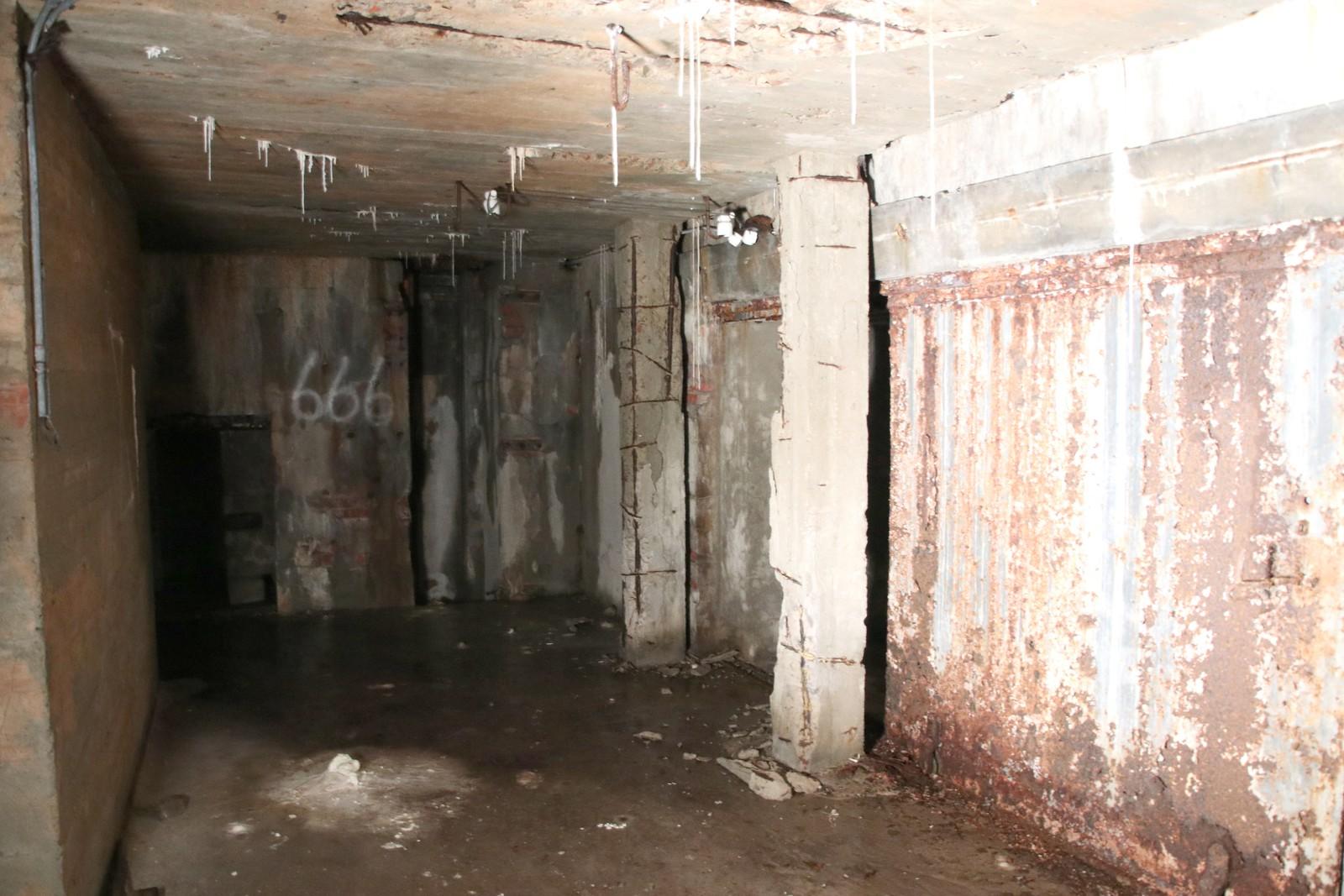 Forfallet er stort inne i gangene .