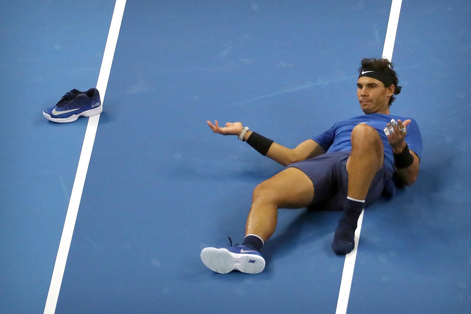 Rafael Nadal klarte å miste skoen under en tennismatch mot franske Lucas Pouille denne uka. Også i mars i år opplevde han det samme. Men begge gangene vant han kampene ganske greit.