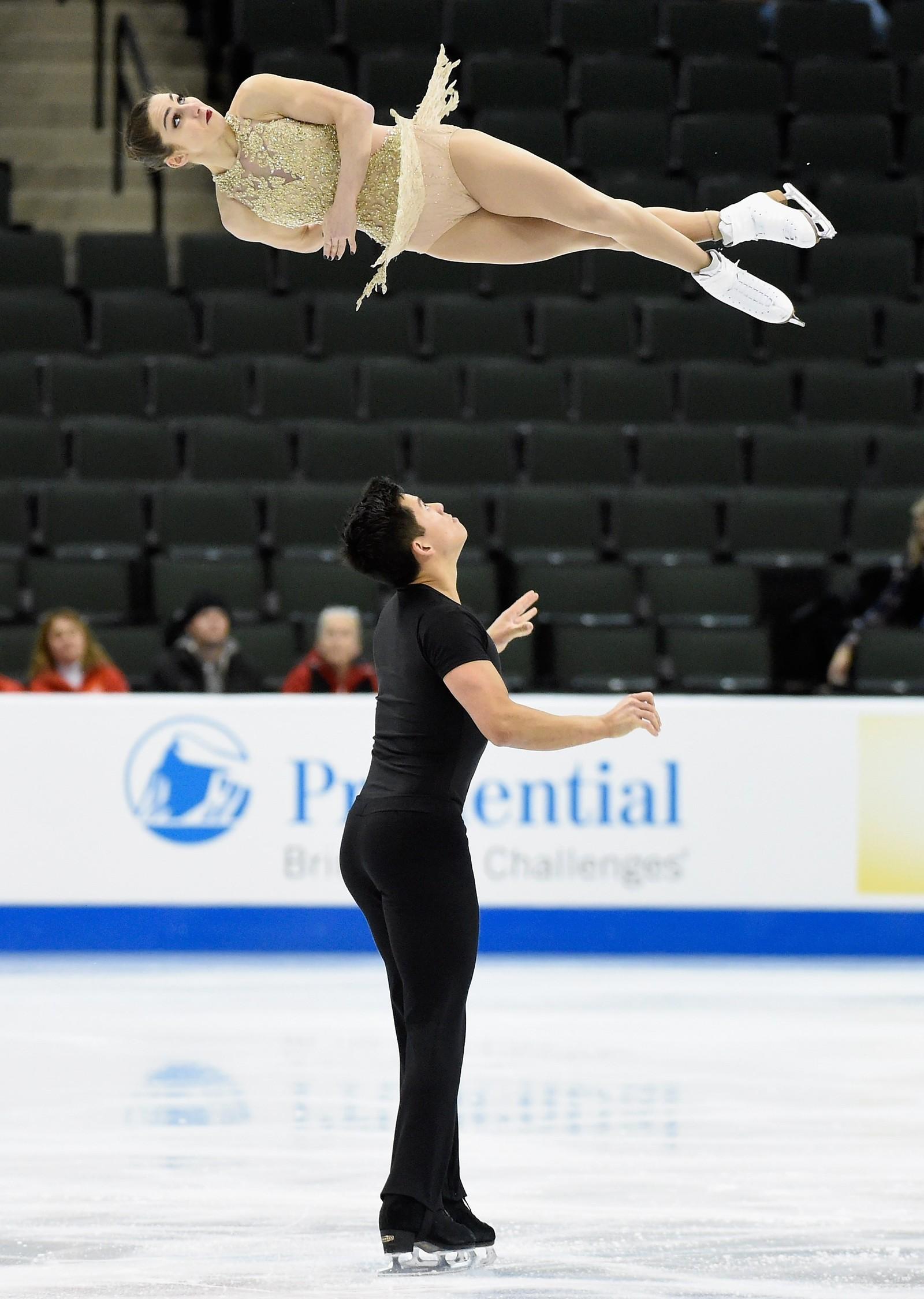 Marissa Castelli og Mervyn Tran snurrer rundt med hverandre i St Paul, Minnesota.