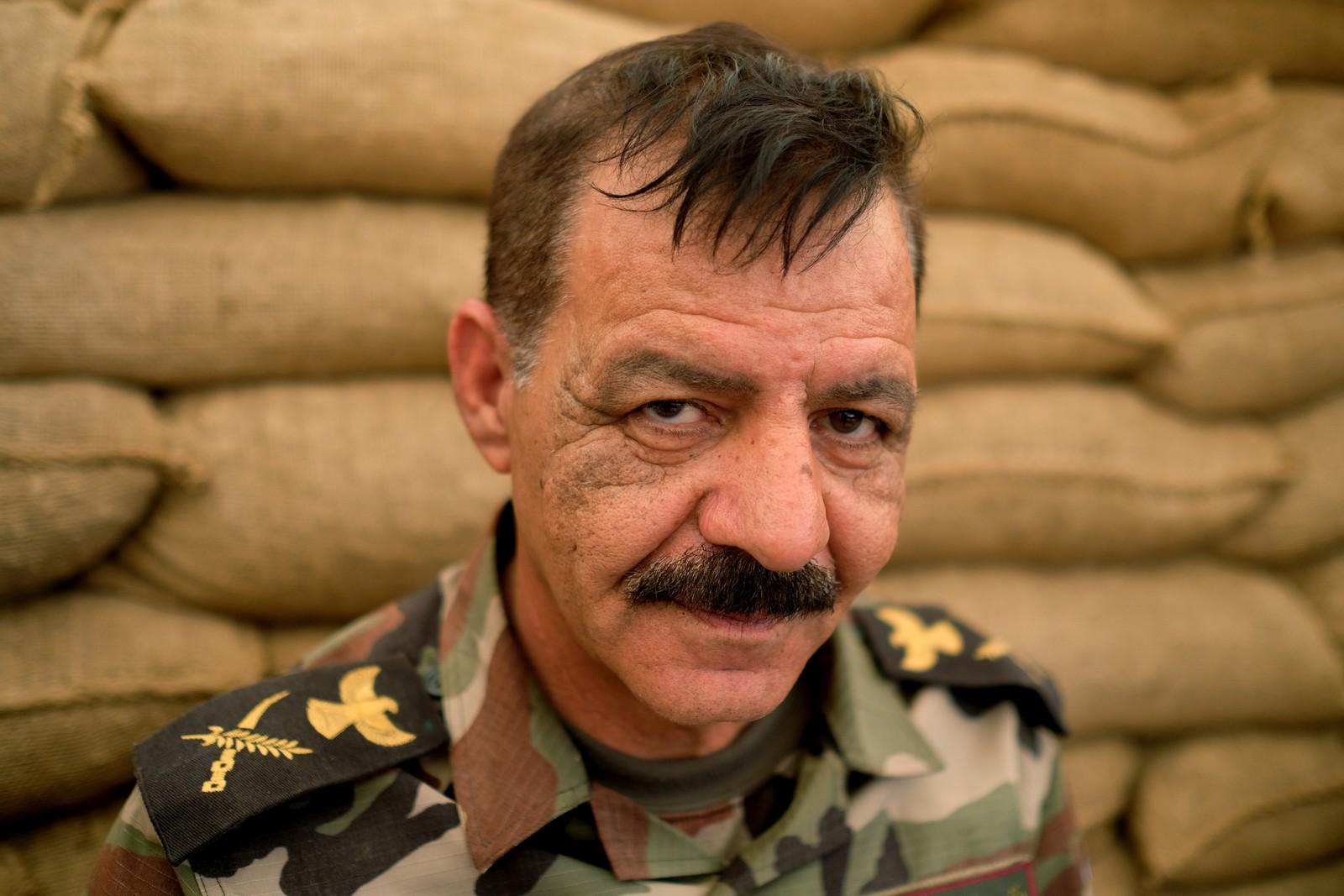 Han er sliten, skuffet og resignert. Han og kurderne føler seg sviktet av det internasjonale samfunnet. – For kort siden kjempet vi sammen, Irak, Iran, USA, Storbritannia og resten av Europa. I det vi var ferdig med IS, glemte de oss.