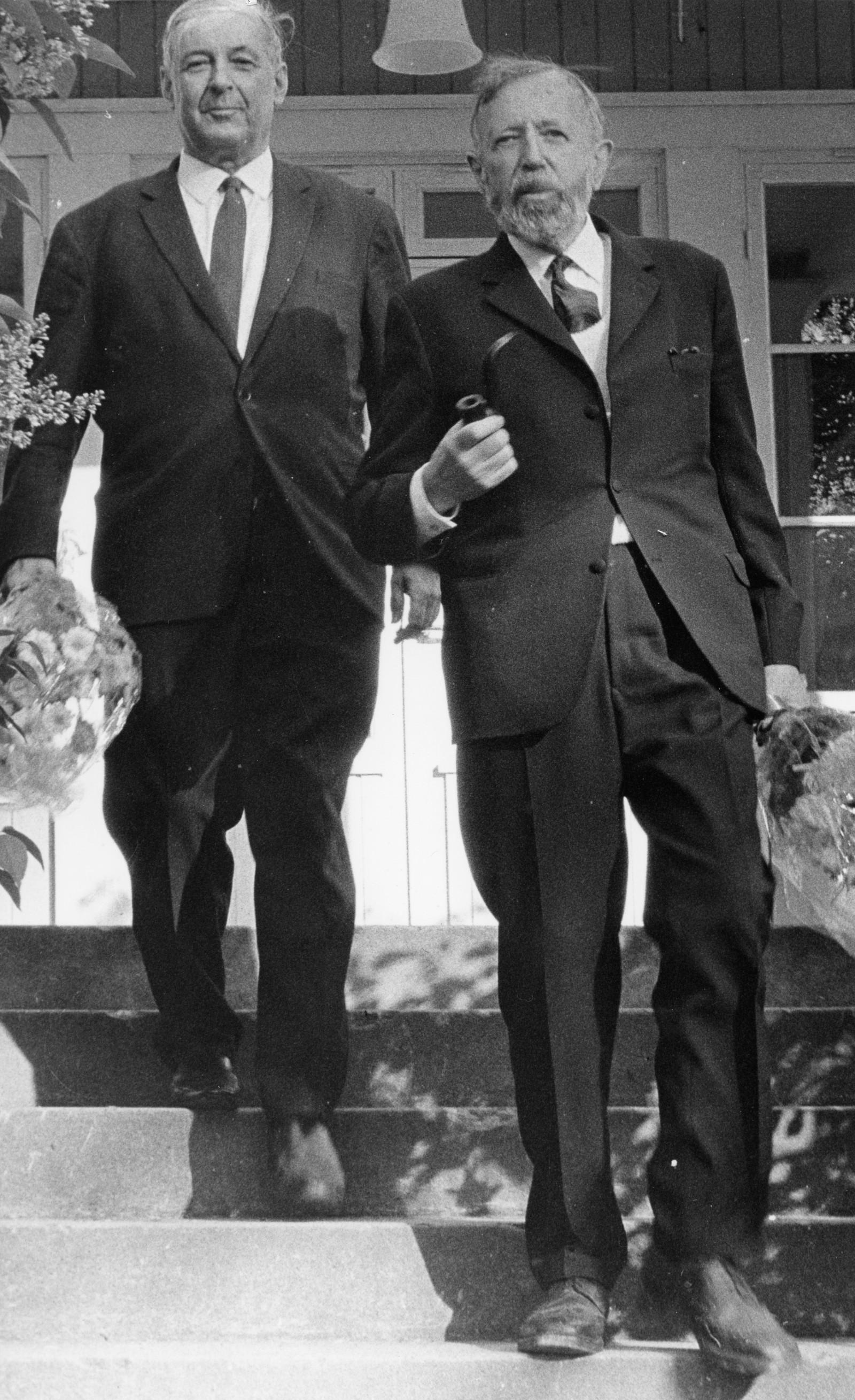 Torolf Elster (til venstre) og Hans Jacob Ustvedt ledet begge rådet og ble begge senere kringkastingssjefer.