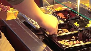 Kantinematen ved de videregående skolene i Finnmark kan bli dyrere.