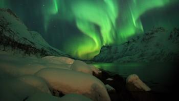 Fantastsik nordlys i Ersfjord på Kvaløya