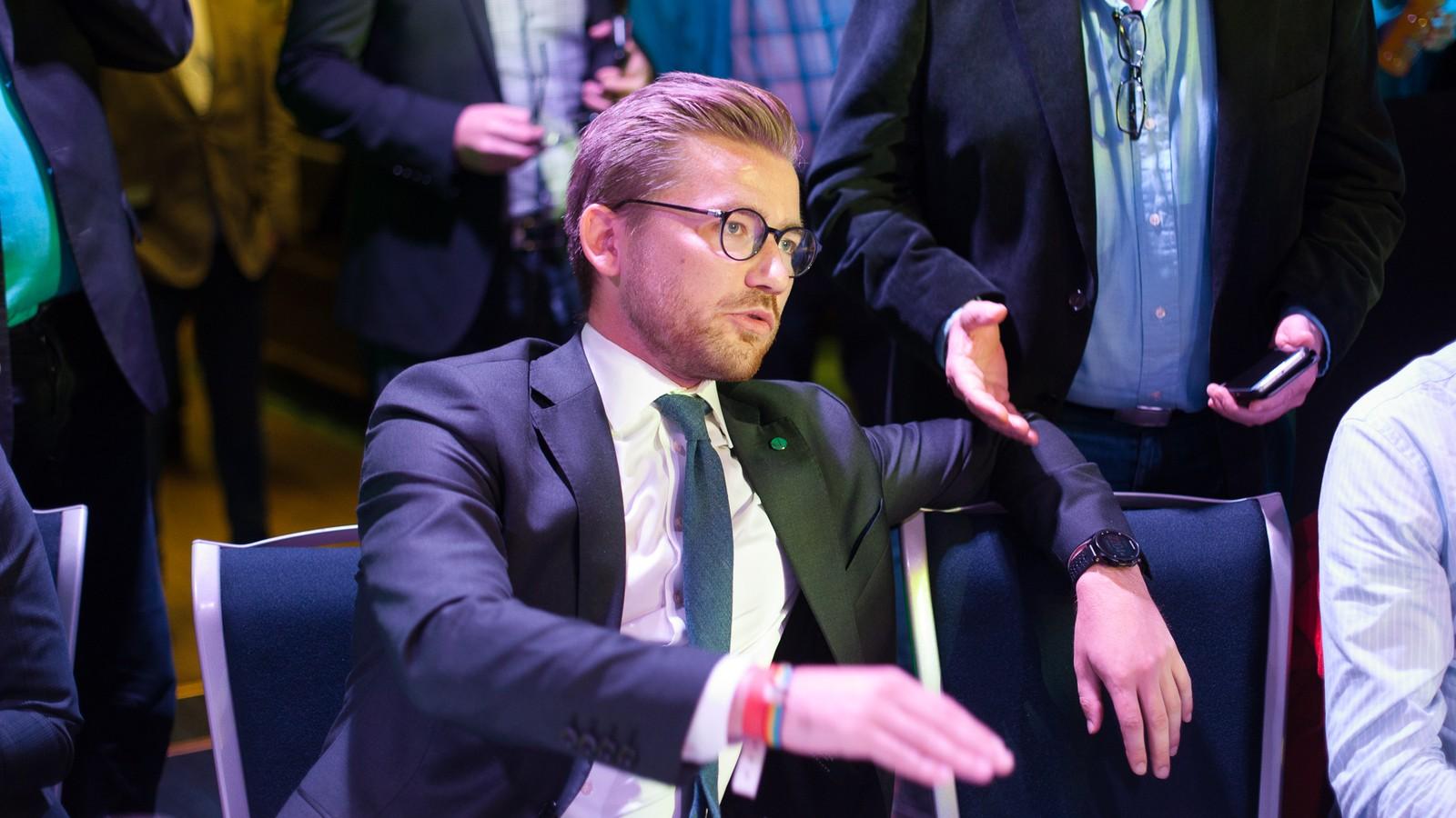 Sveinung Rotevatn frå Venstre følgde utviklinga.