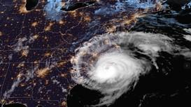 Orkanen Florence på vei inn mot østkysten av USA. Her er et satellittbilde fra fredag morgen norsk tid.