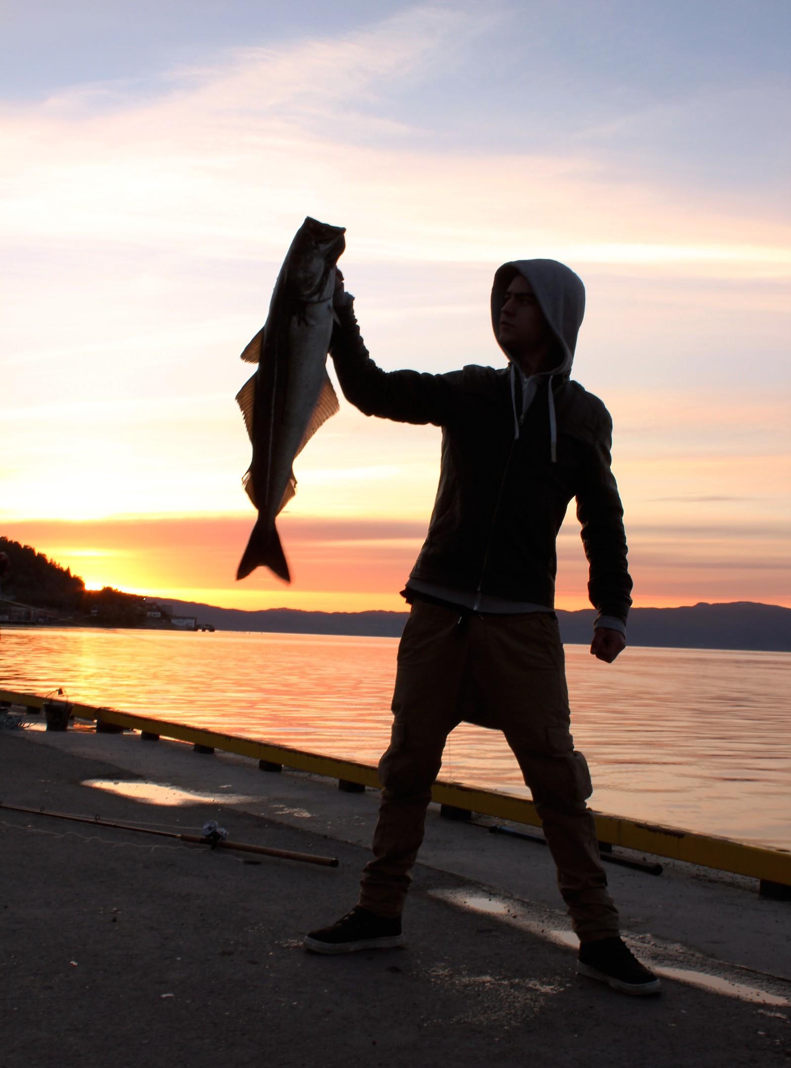 Tobias Jonassen med en 7 kilos torsk