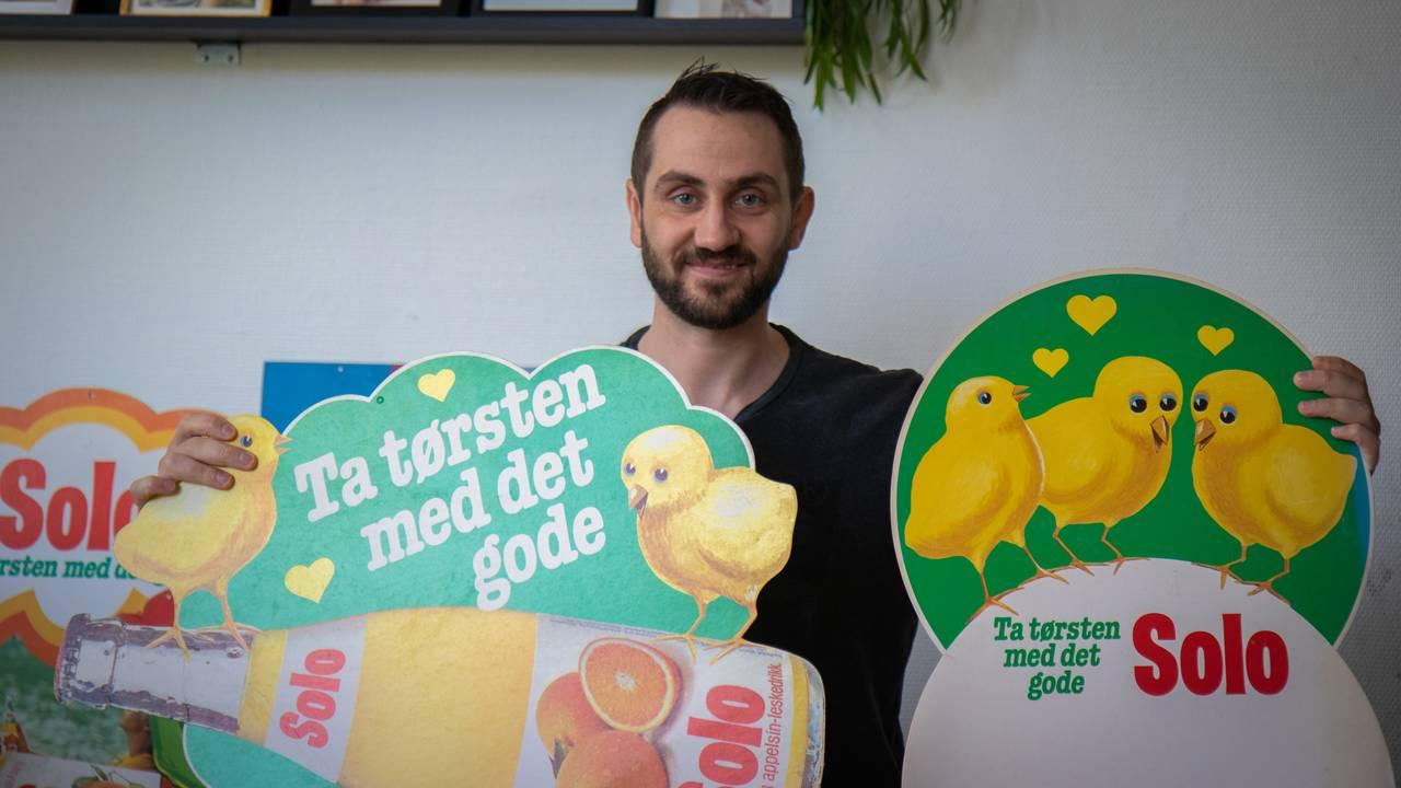 Espen Gullhav, reklameskilt, Solo