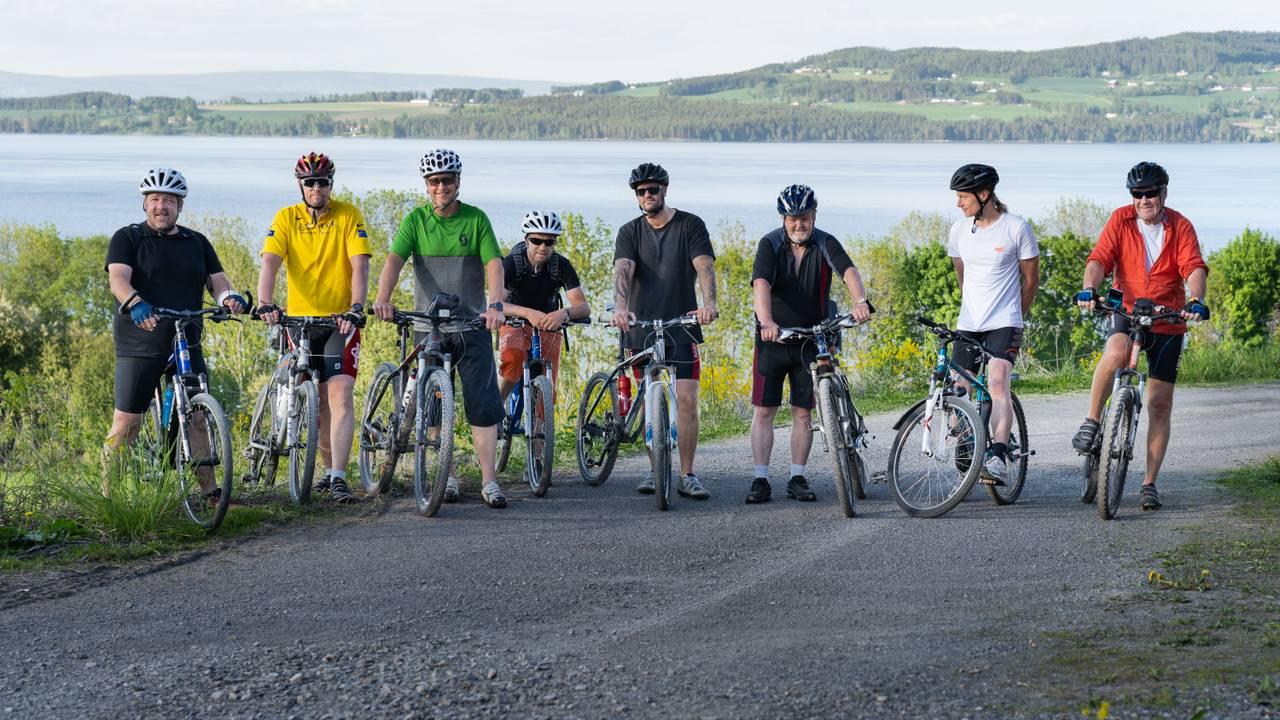 Stian Fjell rusa seg fra han var 13 år gammel. Nå håper han sykkelen og et aktivt liv skal bli redningen. Sammen med 7 andre vil han nå sykle Norge på langs.