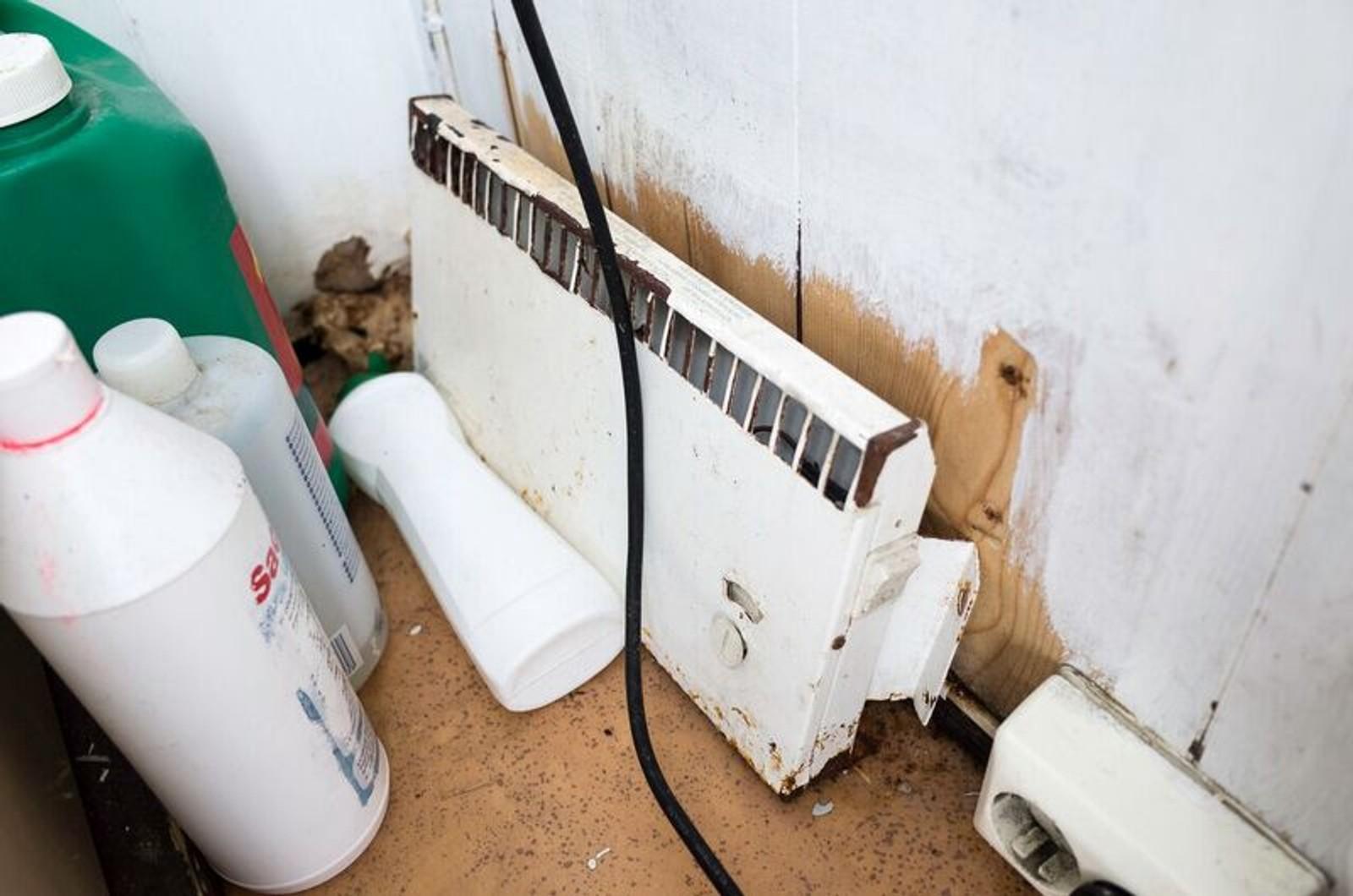 Mange stader er det svært nedslitt og skittent på toaletta som bussjåførane har tilgjengeleg.