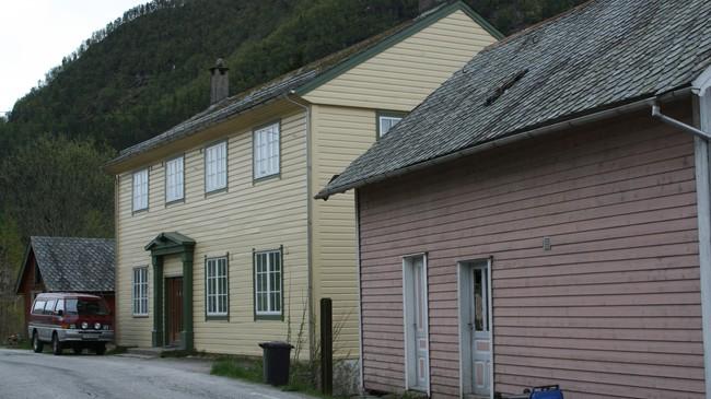 Det gamle kommunehuset på Sande var i bruk til 1991. Foto: Ottar Starheim, NRK.