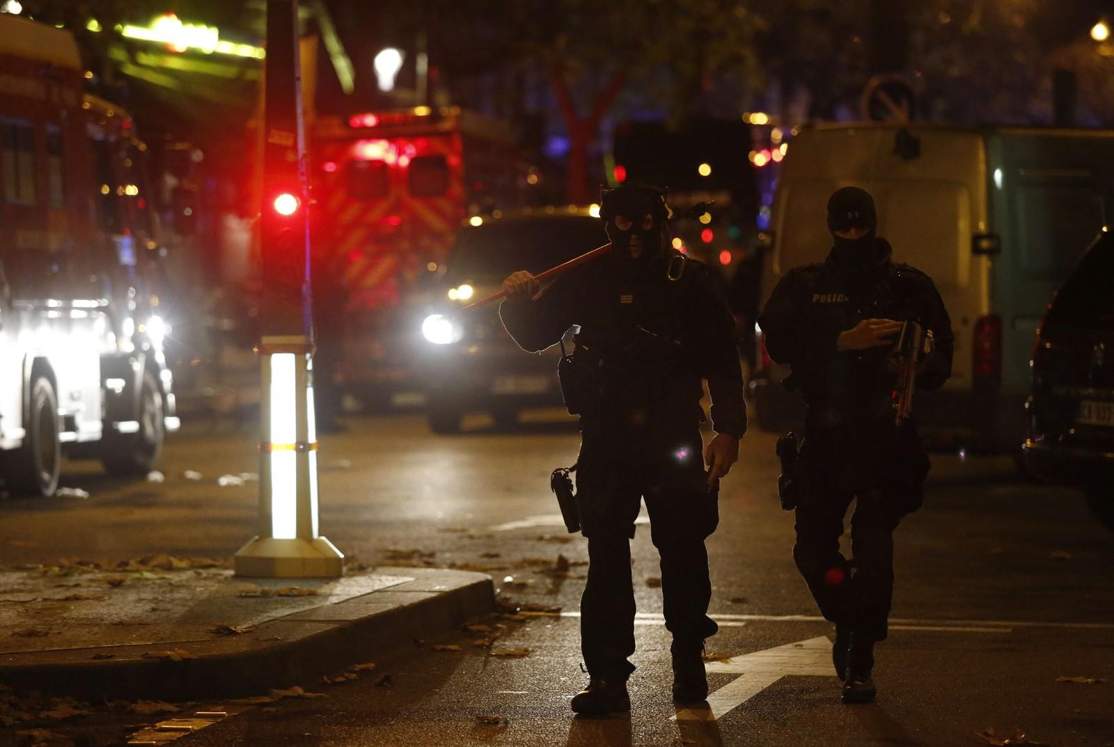 SAMORDNEDE: Massakren i Le Bataclan var ett av så mange som sju forskjellige angrep i Paris fredag kveld som framstår som samordnede og velorganiserte.