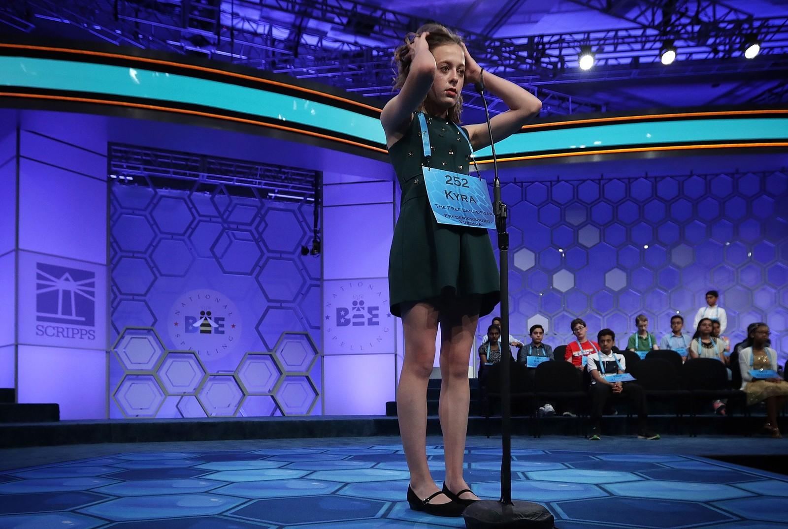 Kyra Holland rev seg i håret da hun fikk ordet liripipe under stavekonkurransen National Spelling Bee. Ordet betyr noe slikt som et middelaldersk tøystykke, og satte en bråstopp for Hollands ønske om å vinne konkurransen.