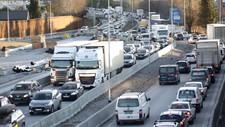 Det er biltransporten som slepp ut klart mest klimagassar i norske byar. Her frå E39 i Stavanger.