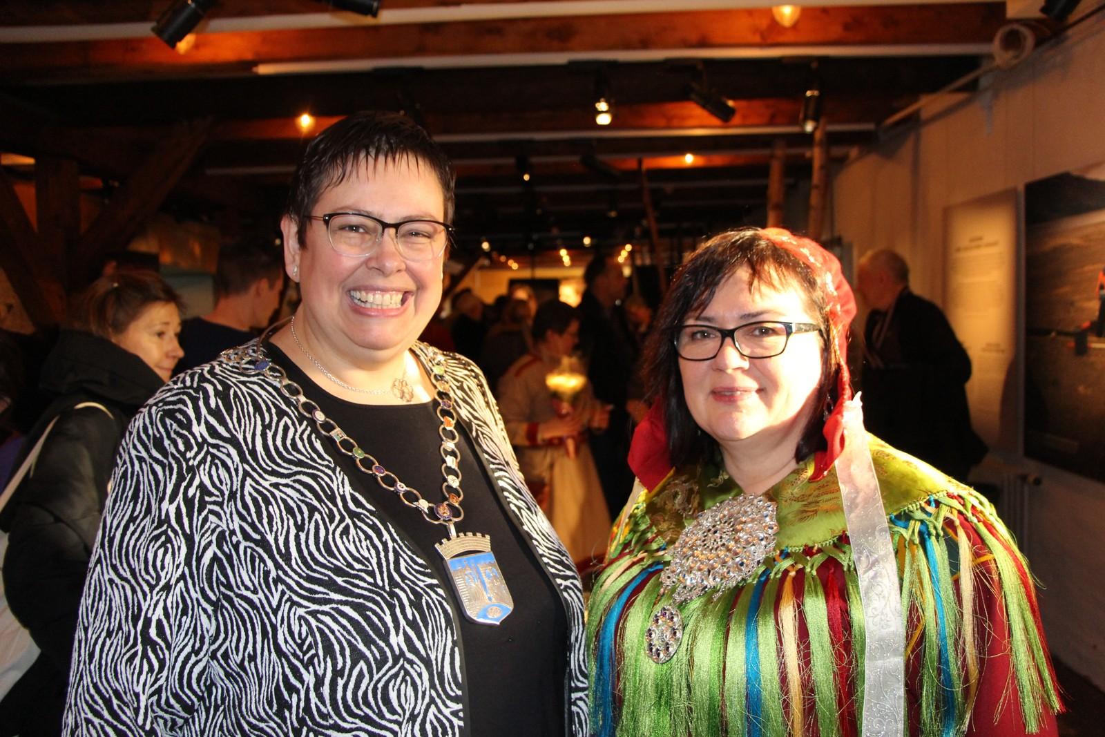 Ordfører Rita Ottervik deltok på åpningssermonien på torget