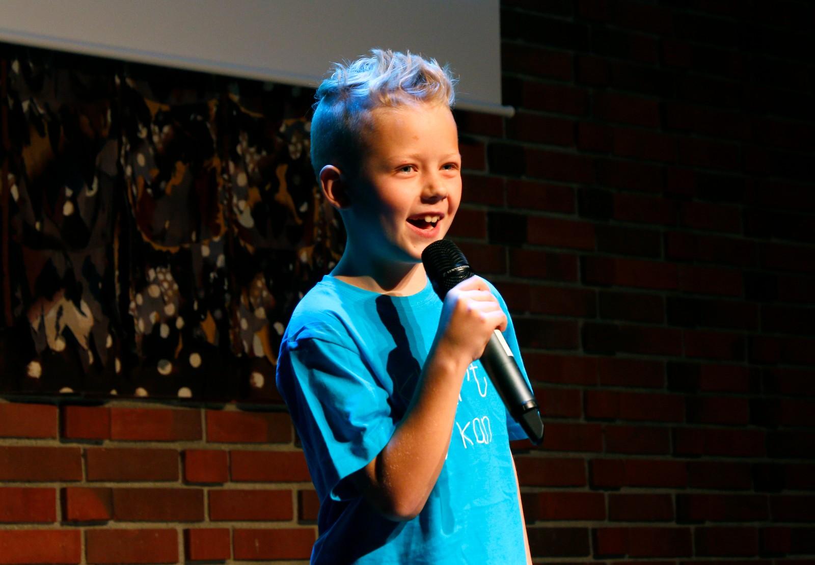 EIGEN SONG: Noah Christensen Leirstein skriv sin eigen song i episoden om han. Den fekk publikum høyre under premierefesten.