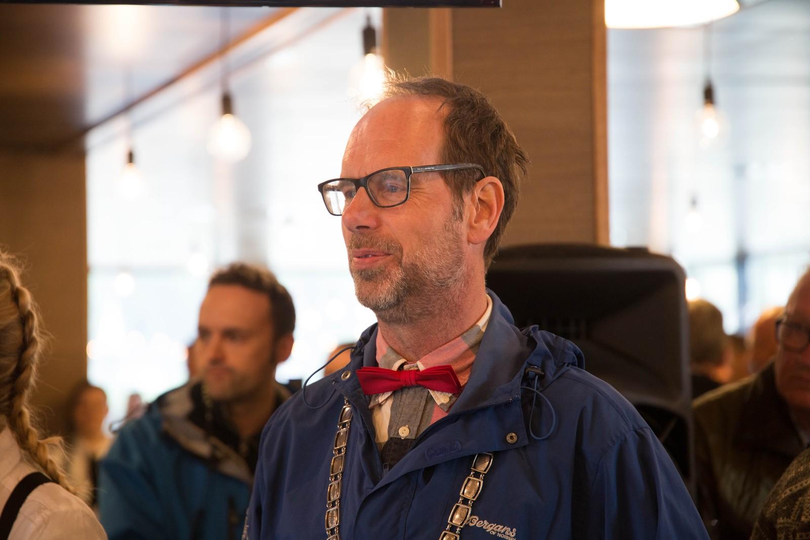 Ordfører Lars Olav Hustad var strålende fornøyd med dagen.