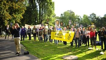 Amnesty demonstrerer til støtte for Raif Badawi