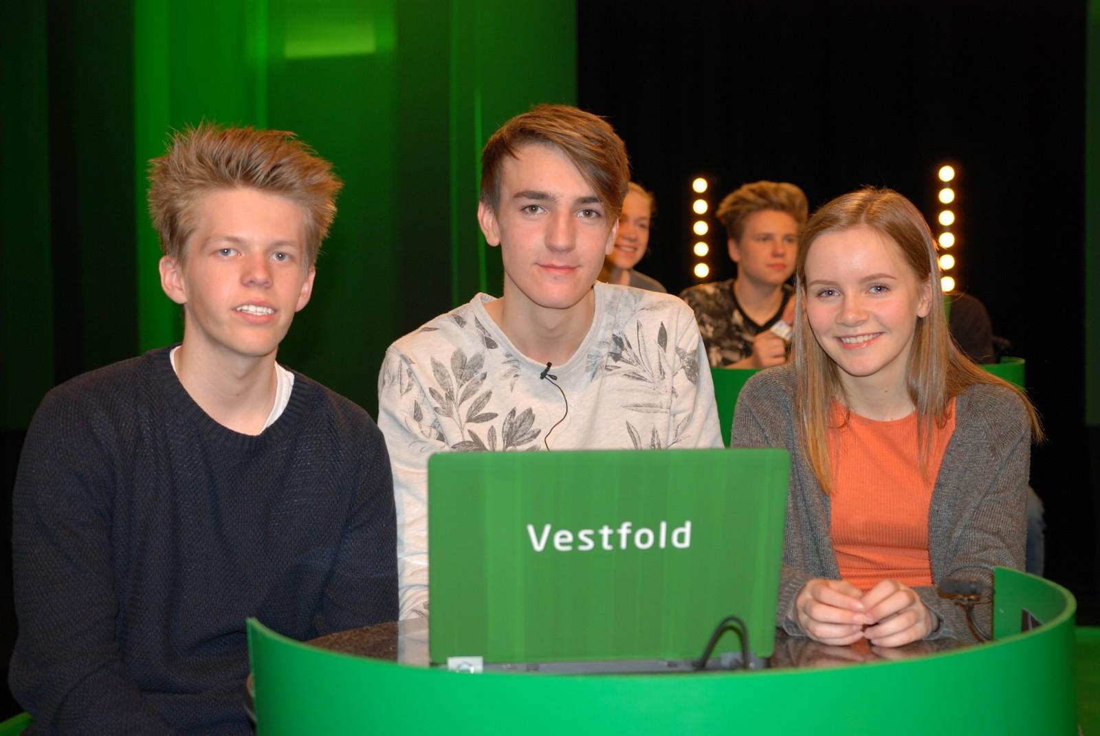 VESTFOLD: Gjøklep ungdomsskole i Holmestrand representert ved Leander Halvorsen, Anders Mathias Rønneberg og Amanda Jomisko Sandbakken.
