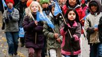 Elever fra Rødtvet skole i Oslo feirer FN-dagen i 2012. Foto: Erlend Aas / NTB scanpix