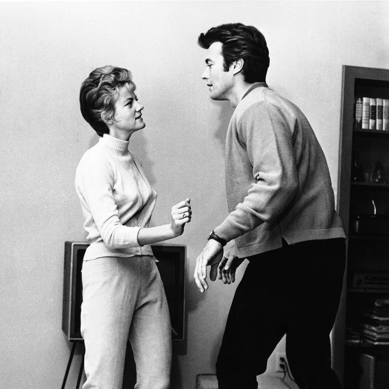 Clint Eastwood og kona Maggie danser twist i 1962.
