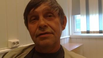 Tor Nilsen synes at samisk språk er i vanskelig situasjon.