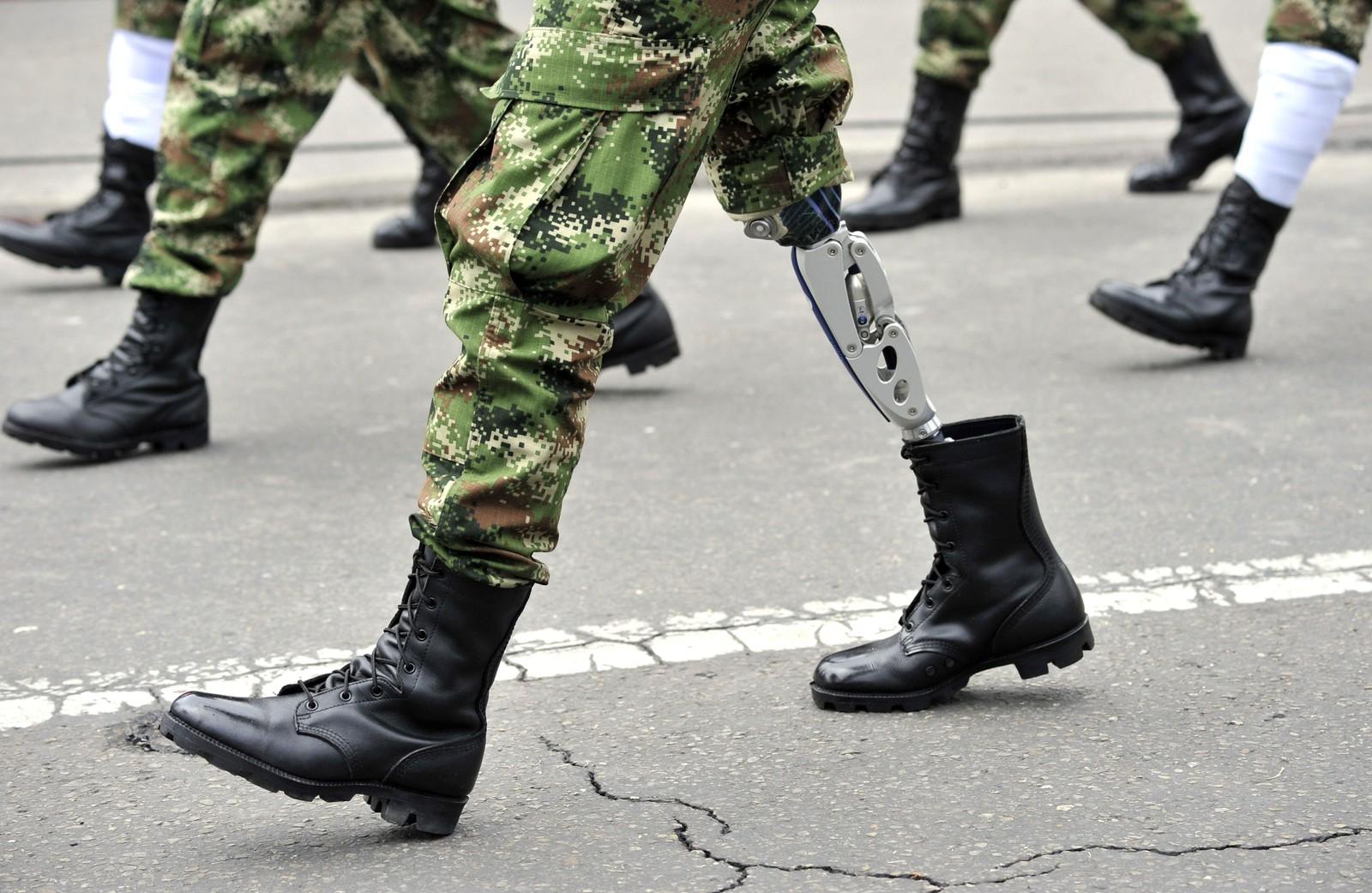 Sårede soldater deltok denne uka i en militærparade for å feire Colombias 205 års som et selvstendig land.
