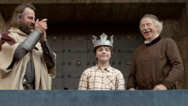 Norsk dramaserie. (5:24)Kevin tar med seg en selvlaget snøkanon til Ridderdalen, og folket i Ridderdalen spør om han vil bli kongen deres! Det liker ikke trollmannen Snerk for han har selv planer om å regjere.